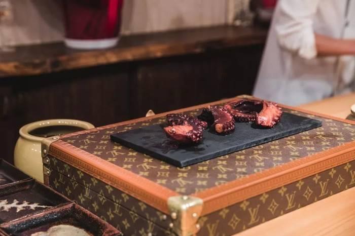 LV路易威登的奢侈品寿司店,吃一口要多少钱?