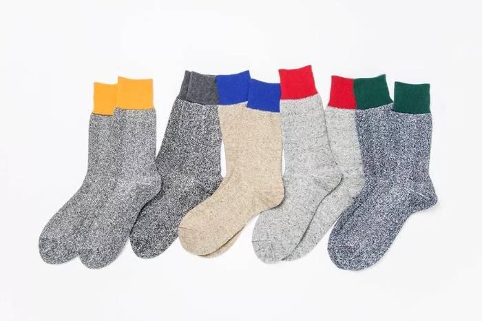 这是我给你选的袜子,能喜欢一生