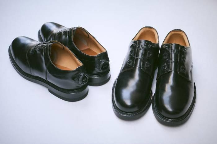 鞋跟处的松紧调节按钮 Regal将皮鞋科技时髦化
