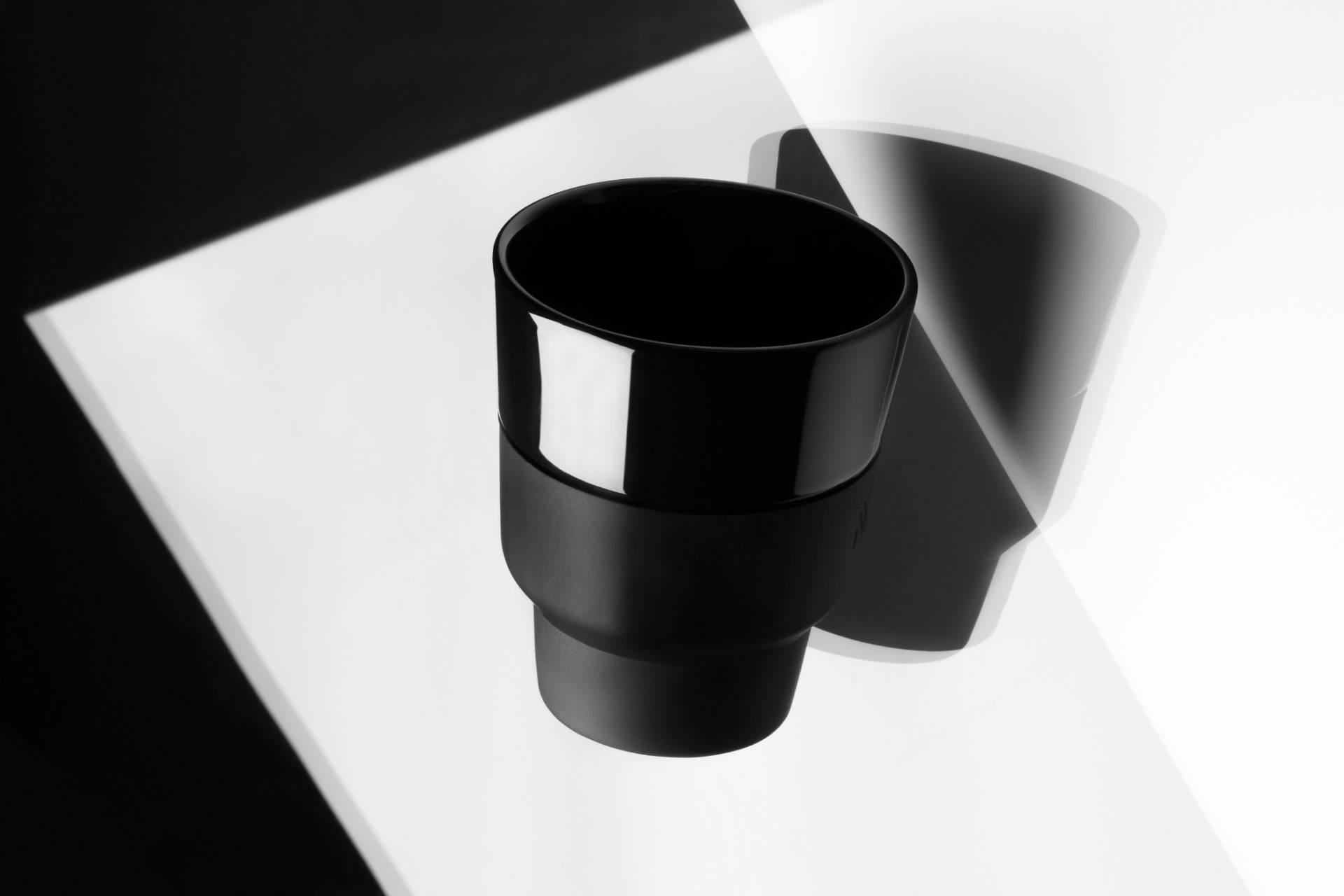 纯黑咖啡杯怎样设计更显魅力?Nespresso 告诉你