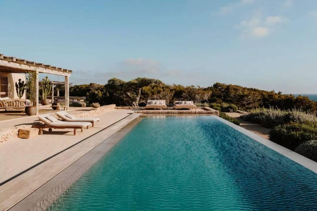 GCA Architects丨西班牙田园诗般的海滨住宅