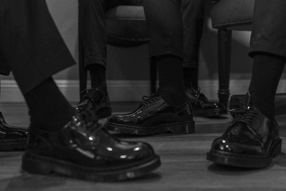 西装造型搭配利器,这双fragment design x Dr. Martens德比皮鞋实在太帅