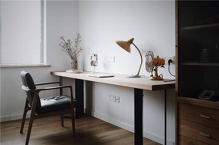 独居大男孩的舒适空间,老房改造的新家堆满了心爱的物件