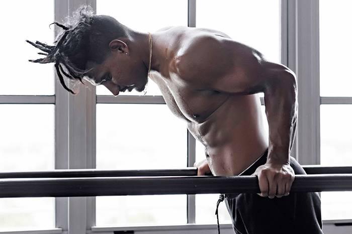 打破健身误区,自重锻炼帮助更好塑形