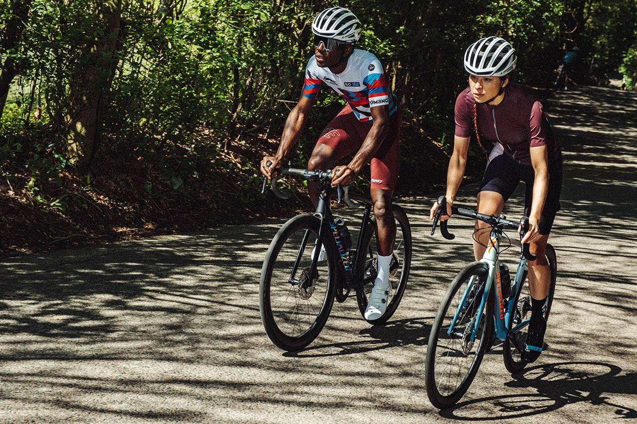 Parra x Romance Cycling Kits:骑行服不仅要机能,还得充满艺术感