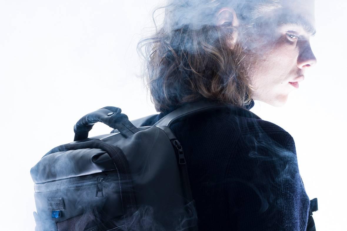 氤氲雾气营造飘渺高级感,master-piece x MIZUNO全新包袋系列