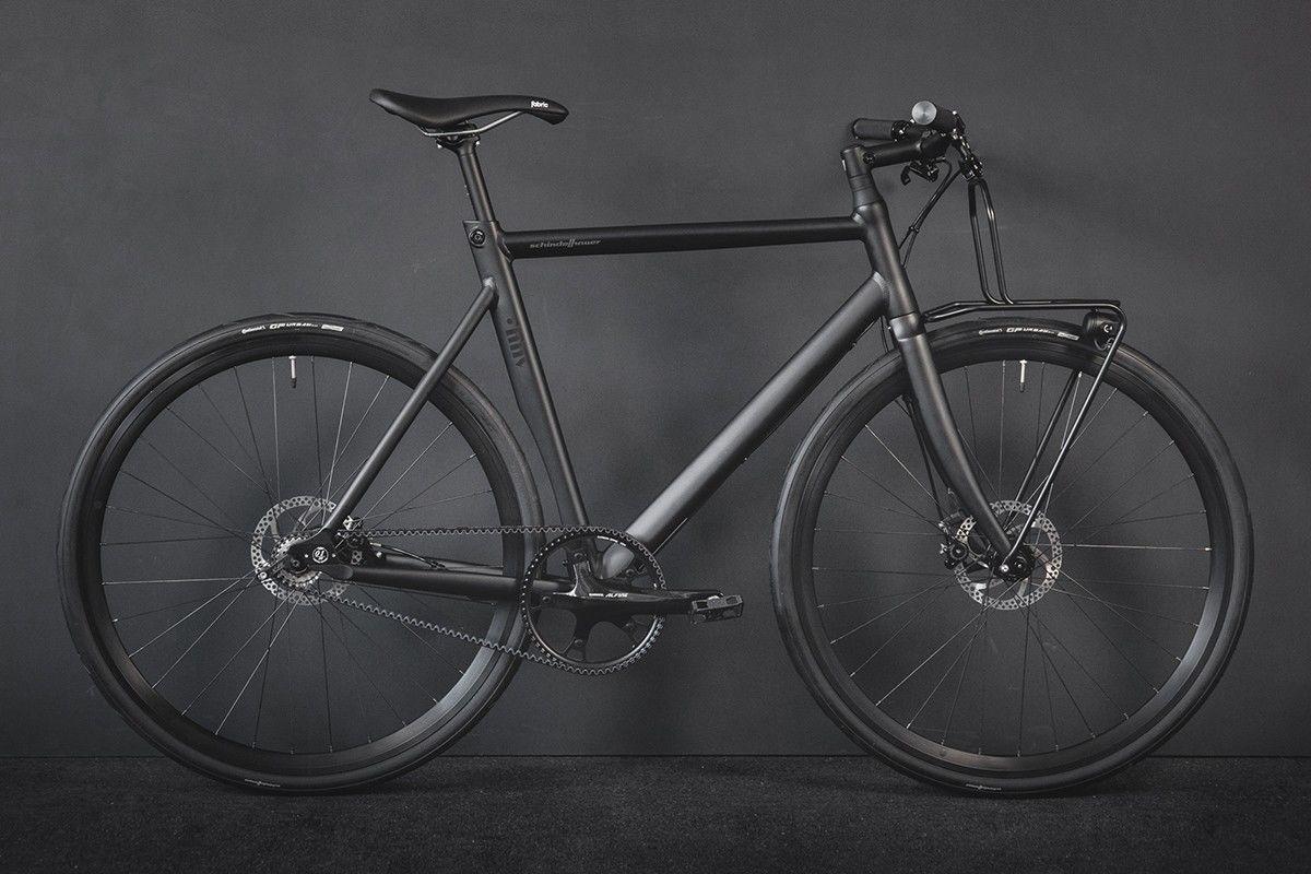 两家柏林单位合作推出跨界款单车,好似夜行如魅的忍者