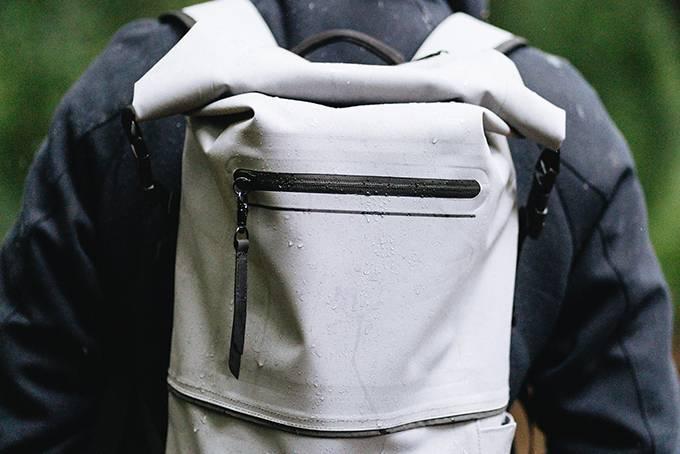 防水性问鼎都市背包,这只适用日常通勤的Drybag还很时髦