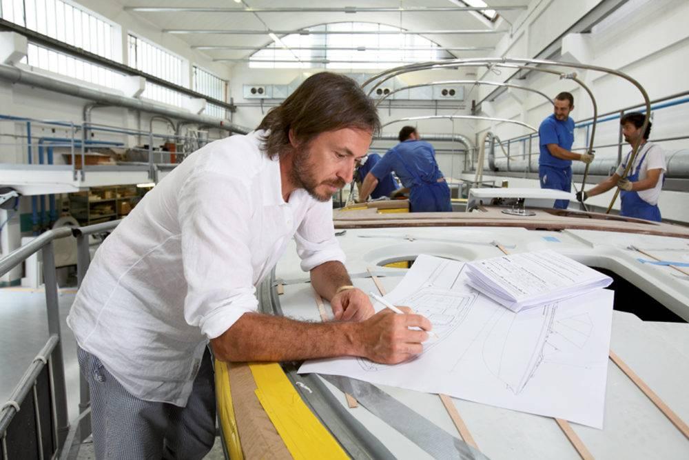 设计界的男神 Marc Newson,用曲线造梦,什么都敢设计!