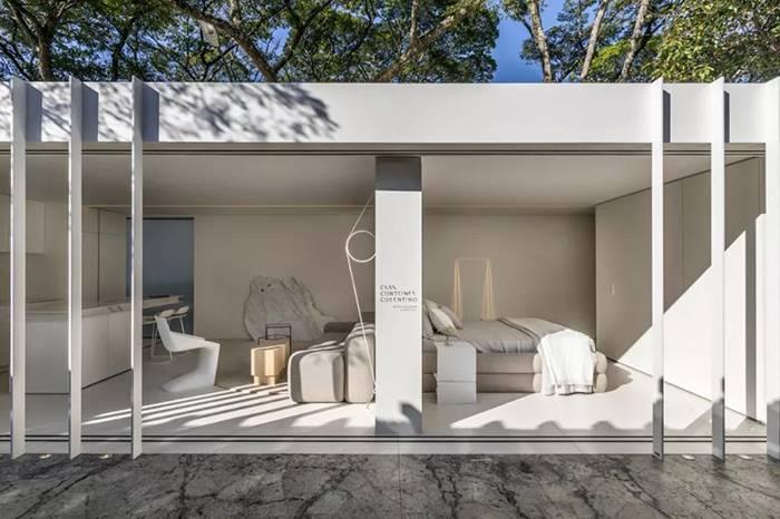 两个集装箱拼成一室一厅,60㎡的空间附赠90㎡大庭院