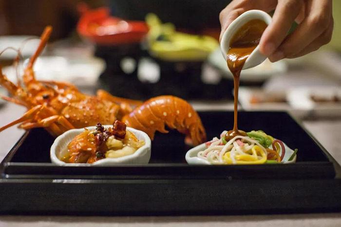 一顿饭上千的川菜馆,不怎么辣居然还有点甜
