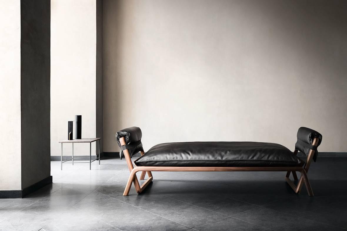 是家具产品型录?还是专注于当代设计的摄影艺术项目?