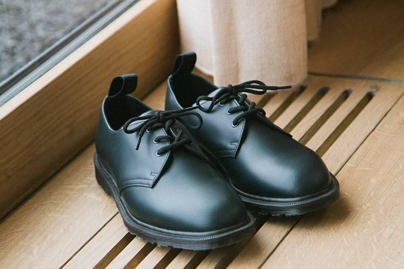 以洗练风格驱动美学设计,Dr. Martens为这家世界顶级餐厅推出工作皮鞋