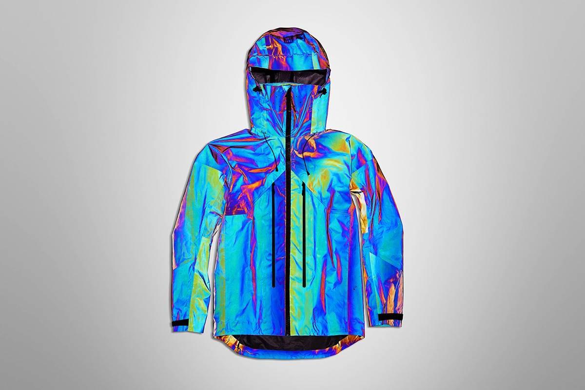 Vollebak又开挂,这次是一件用20亿个微观玻璃球制成的变色夹克