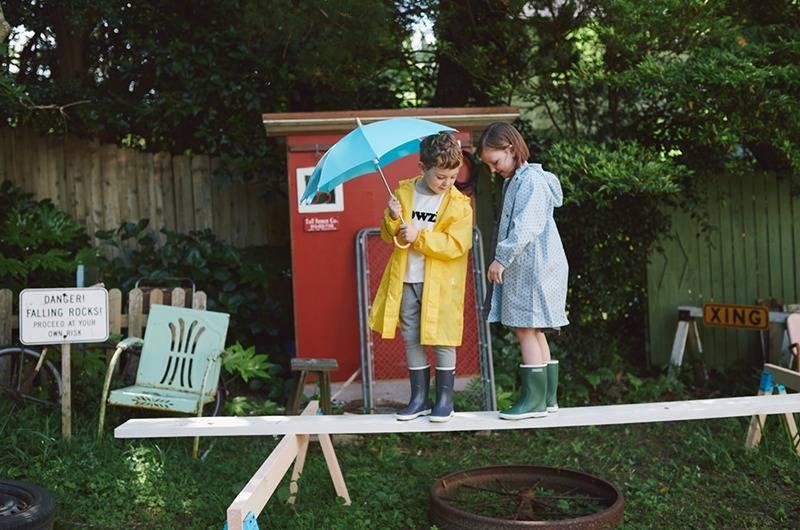 "BEAMS的""OUTDOOR""主题儿童型录,示范小朋友的超酷户外穿搭"