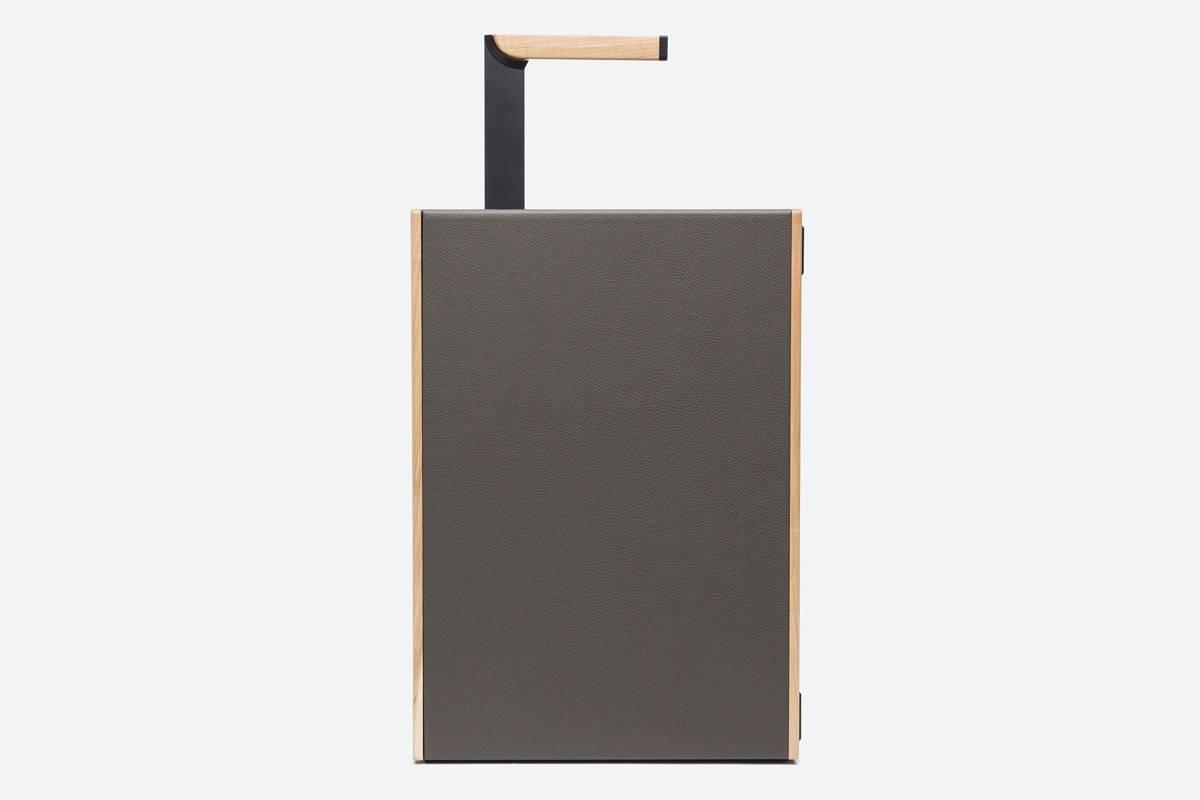 这个犹如指纹一样独特的行李箱,有着你可能从未见过的造型