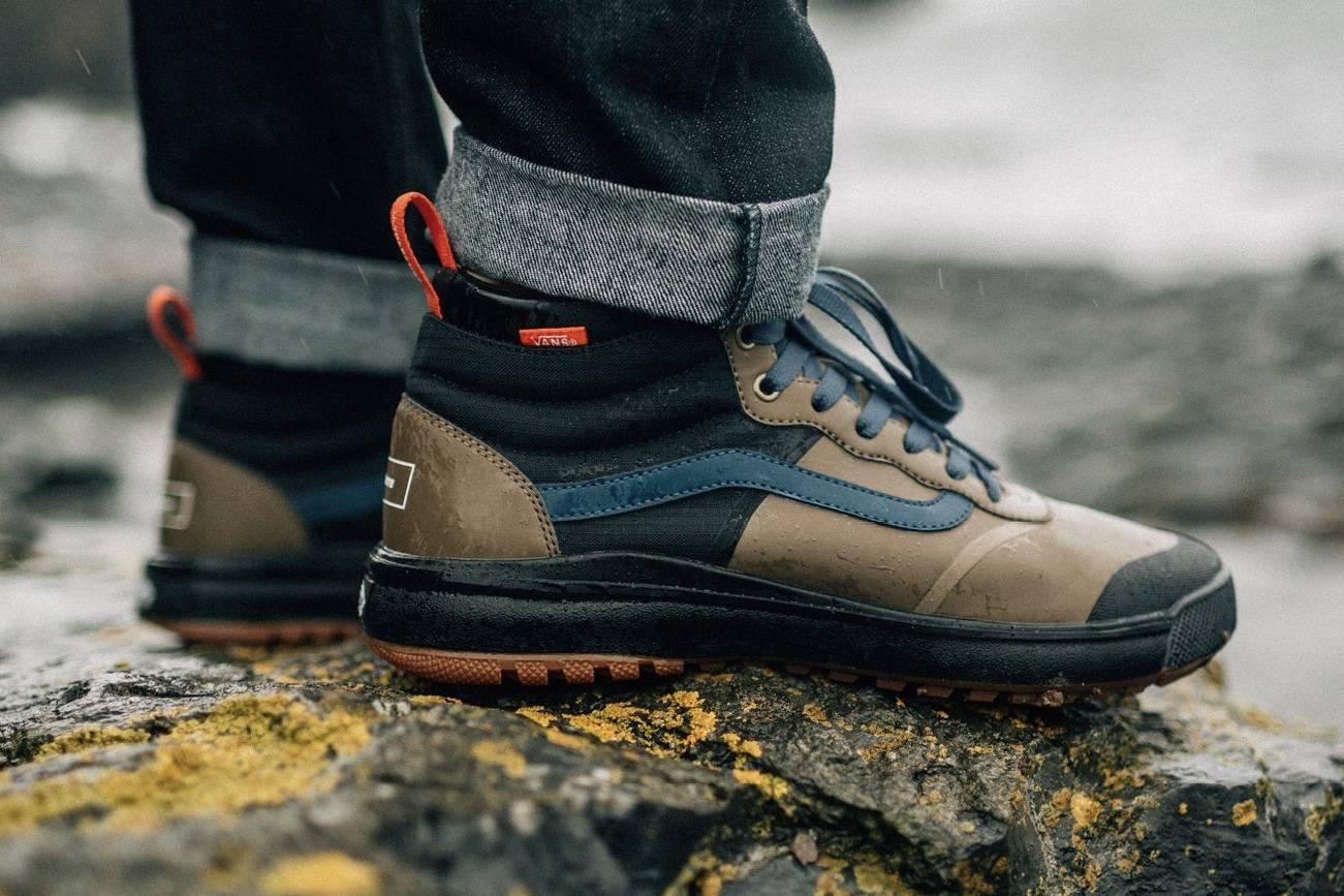 以冲浪运动为灵感缪斯,Vans x Finisterre推出全新联名鞋履