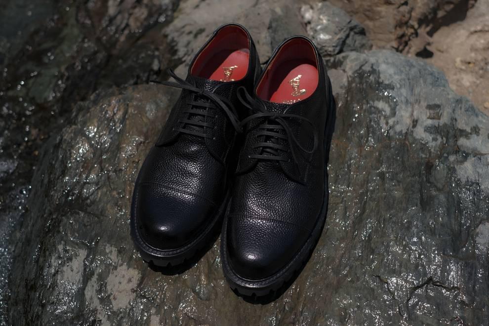 以GORE-TEX面料为核心,穿上REGAL的新皮鞋享受雨天