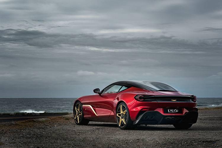 戴着18克拉黄金徽章的英伦贵族,Aston Martin亮相DBS GT Zagato