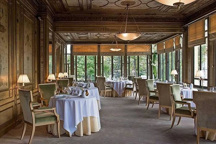 巴黎皇宫后花园里的米其林三星餐厅,吃一次是怎样的体验?
