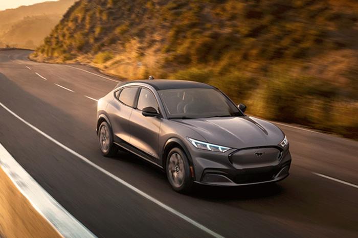 福特纯电动SUV Mustang Mach-E 全球首发,电力野马来势汹汹!