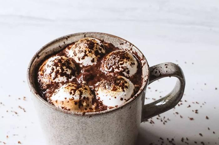 冬季暖心饮品 | 五款香浓热巧在家就能做