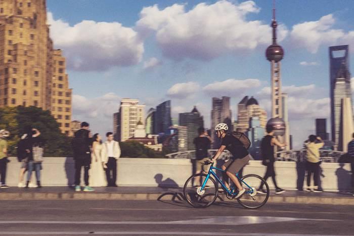 远离拥挤通勤,Shimano让你成为街头骑行最优雅的背影
