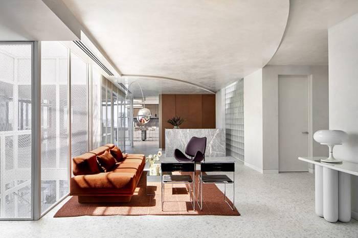Mim Design 新作 | 纯白金属网点缀的极简风办公室