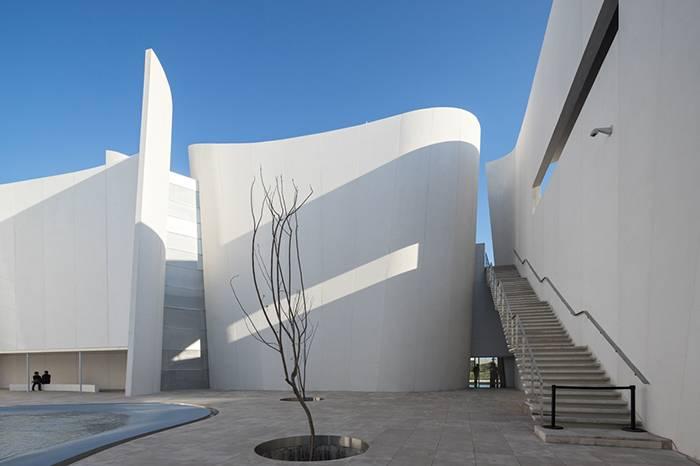 伊东丰雄作品欣赏 | 关于日本后现代的建筑设计