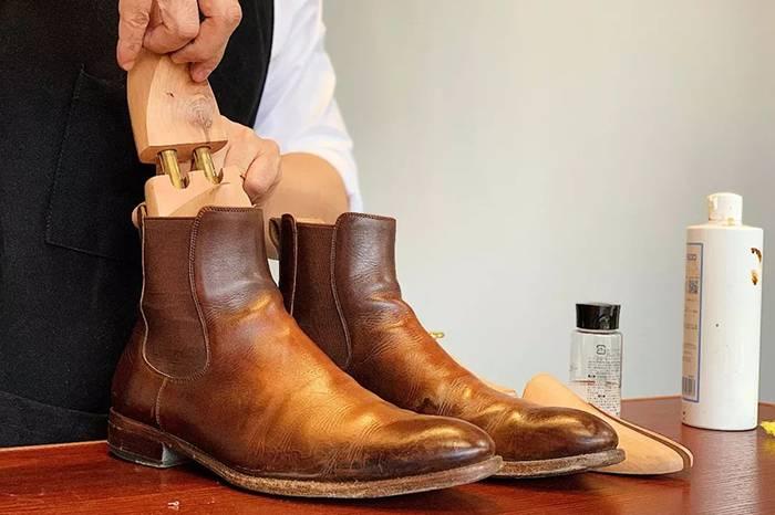 皮鞋保养 | 绅士鞋水渍残留 变色 清洁专题
