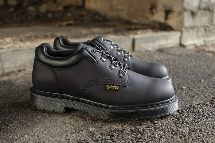 Dr.Martens X Stüssy 发布最新8053 HY鞋款,叛逆街头碰撞优雅经典