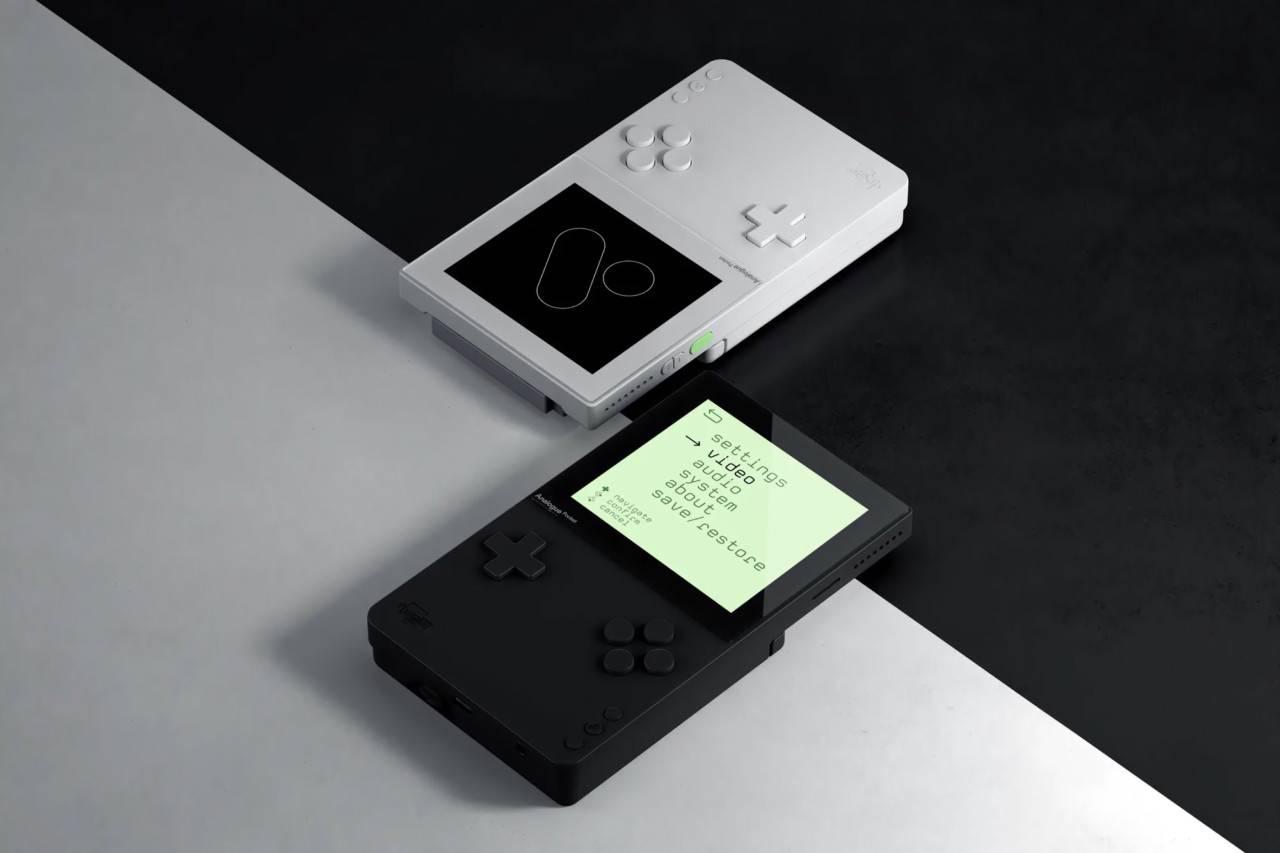 "Analogue Pocket:简约而时髦的现代版""Nintendo Game Boy"""