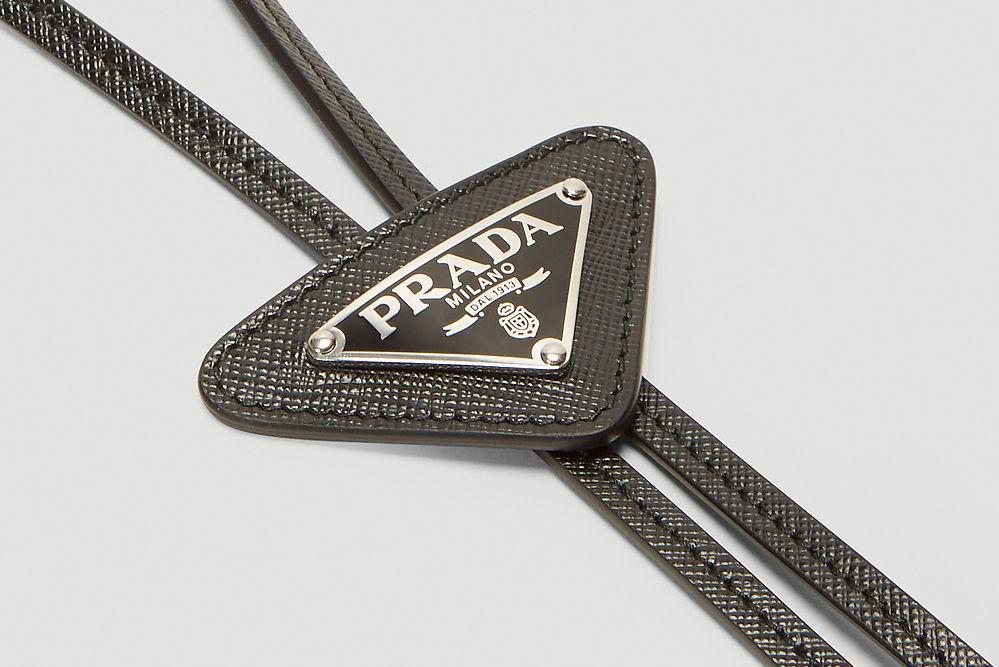 西部灵感 x 意式奢华,Prada推出全新Logo Plaque Bolo Tie