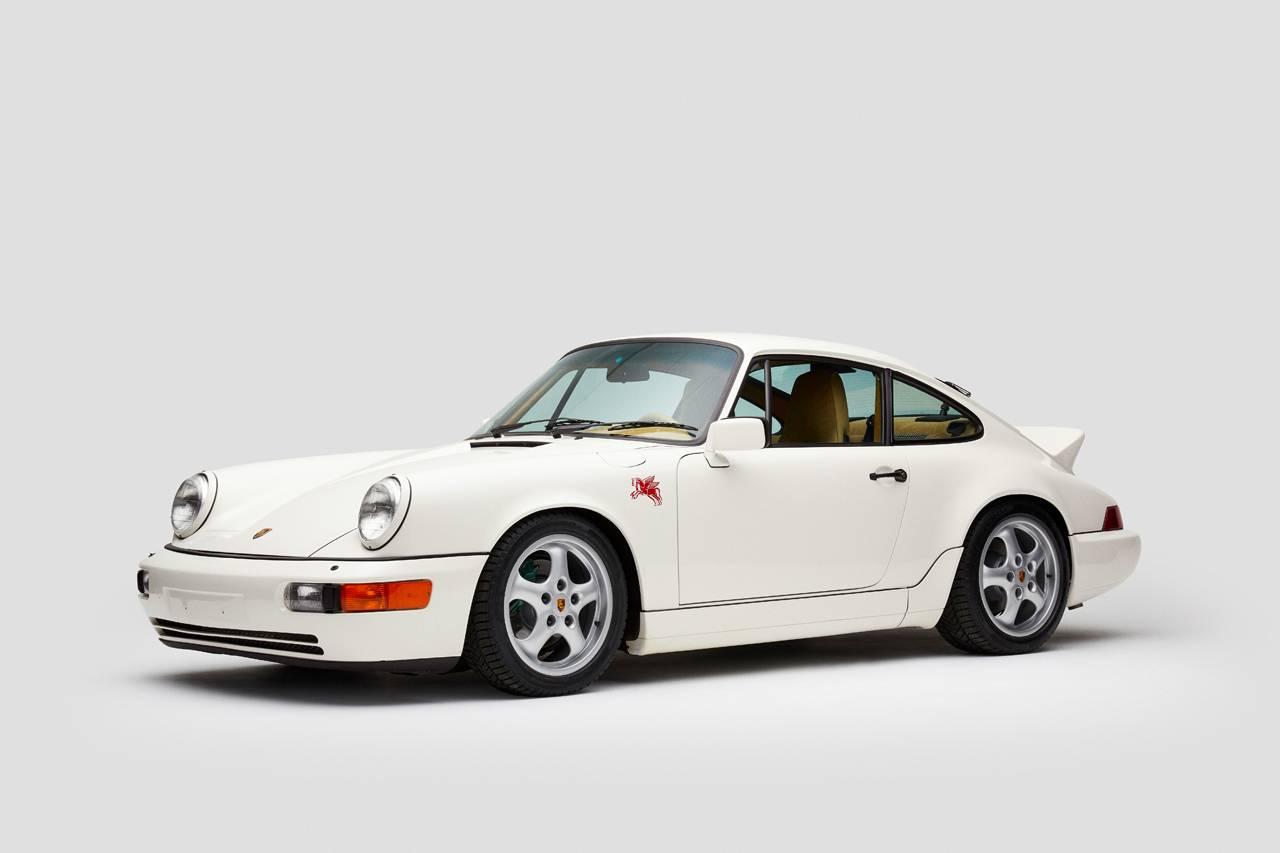 这台Porsche 964 由美国生活方式品牌修复完成