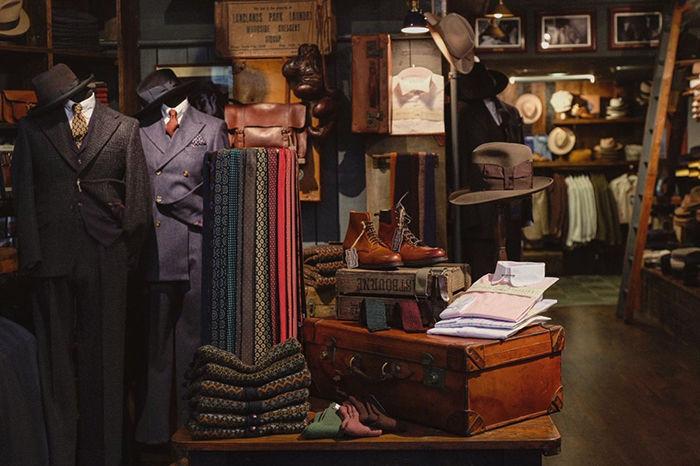大英博物馆旁的加分景点,这间英式古着店铺值得推荐!