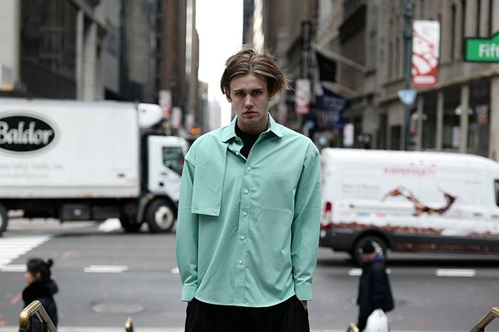 Unawares 2020春夏系列纽约造型特辑发布,莫兰迪色系大行其道