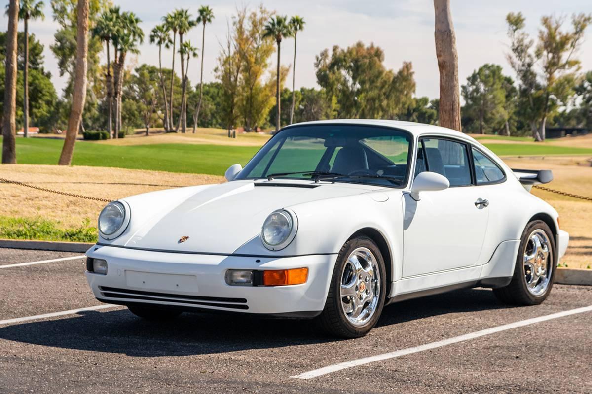 一台可以比拟新车的老保时捷 911(964) Turbo正在竞拍,机不可失