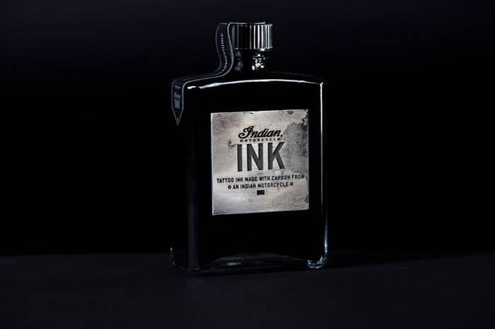 不可思议的热爱 机车爱好者用烧胎碳灰制成的墨水纹身