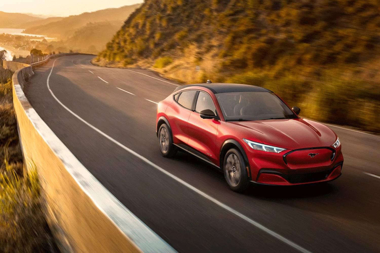 Ford Mustang首款SUV电动车Mach-E发布宣传片