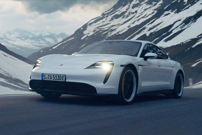 当Porsche Taycan遇上世界级滑雪者 究竟谁能征服高山?