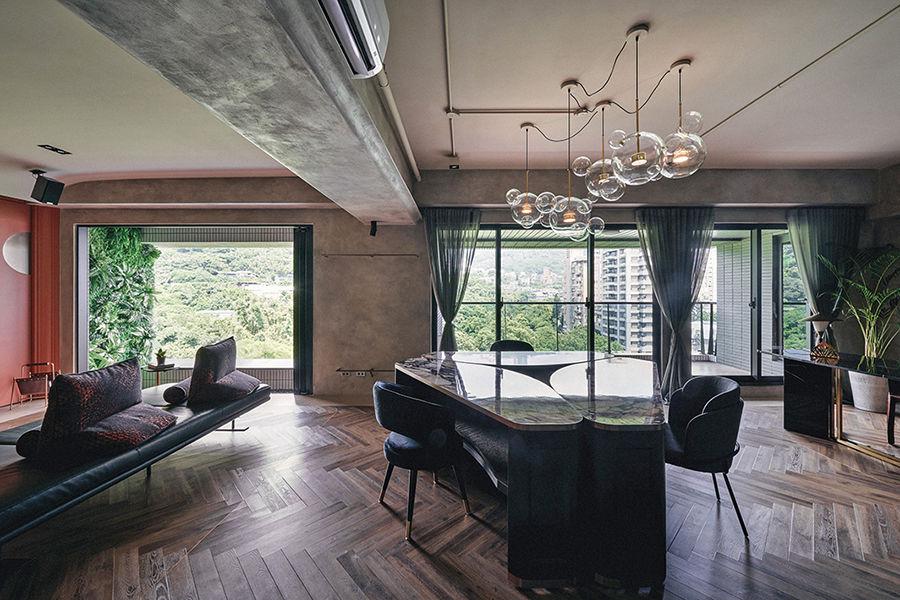 """餐桌秒变大沙发,这个132㎡的三居室主打""""酒店设计感""""风格"""