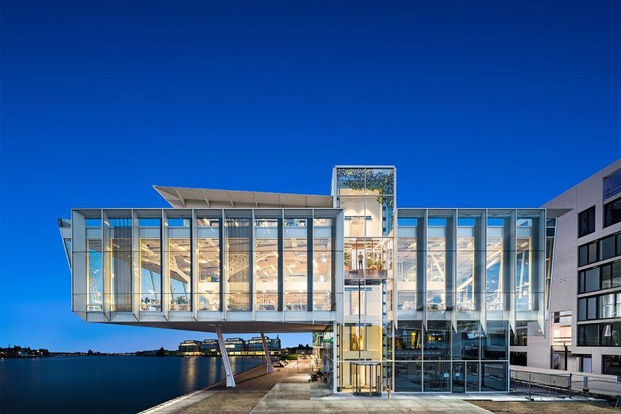 Amvest新办公室:老旧工业区摇身一变高端时尚办公空间