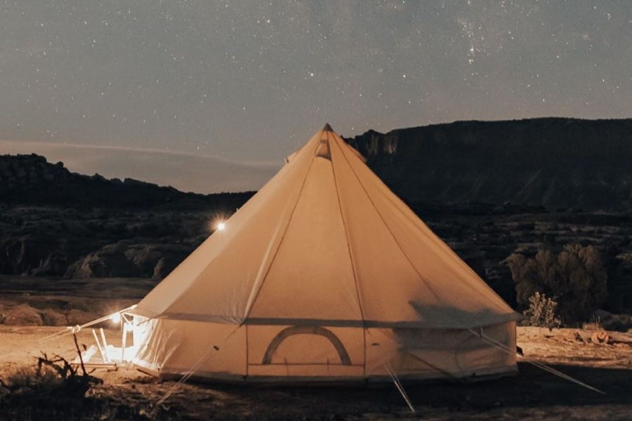 隐藏在美国犹他州峡谷里的秘密营地CAMP WANDERLOST