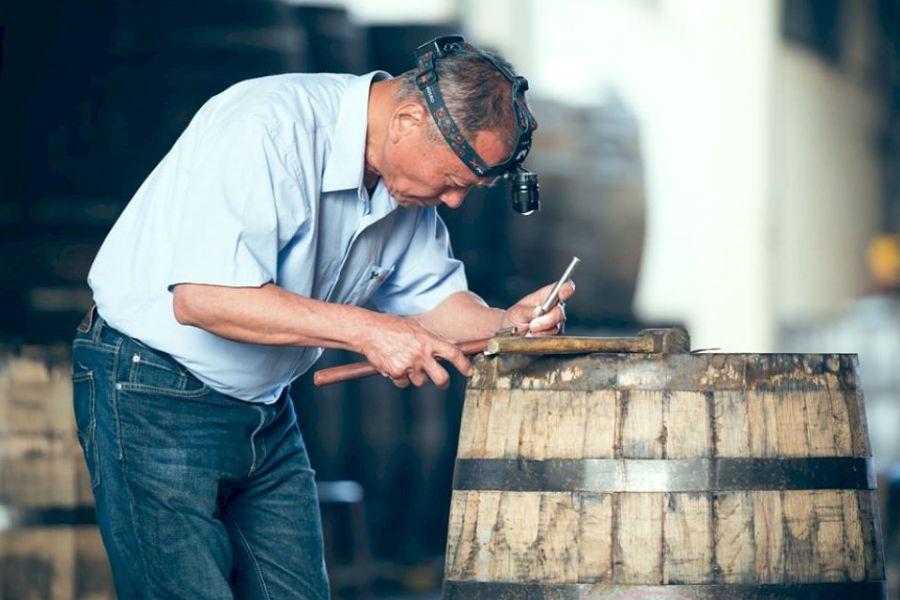 这是一间被严重忽略的酒厂,今天从它的木桶修复大师跟你聊起