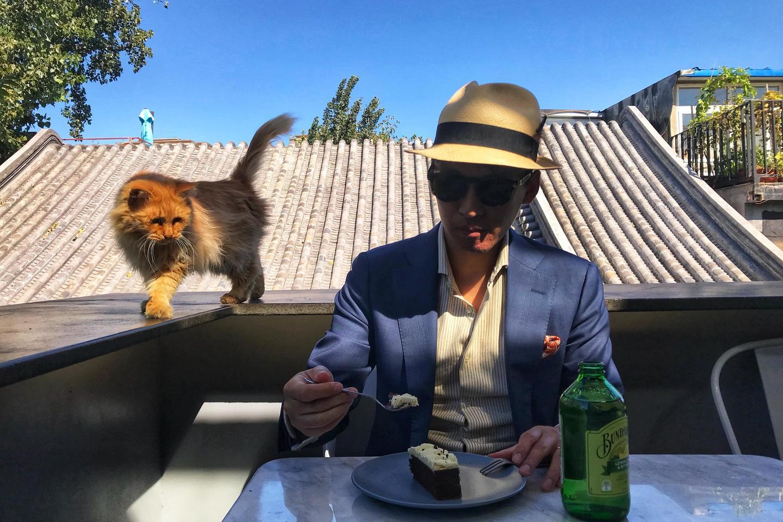 专访4位时尚生活达人,看看他们的夏日草帽最佳搭配之选