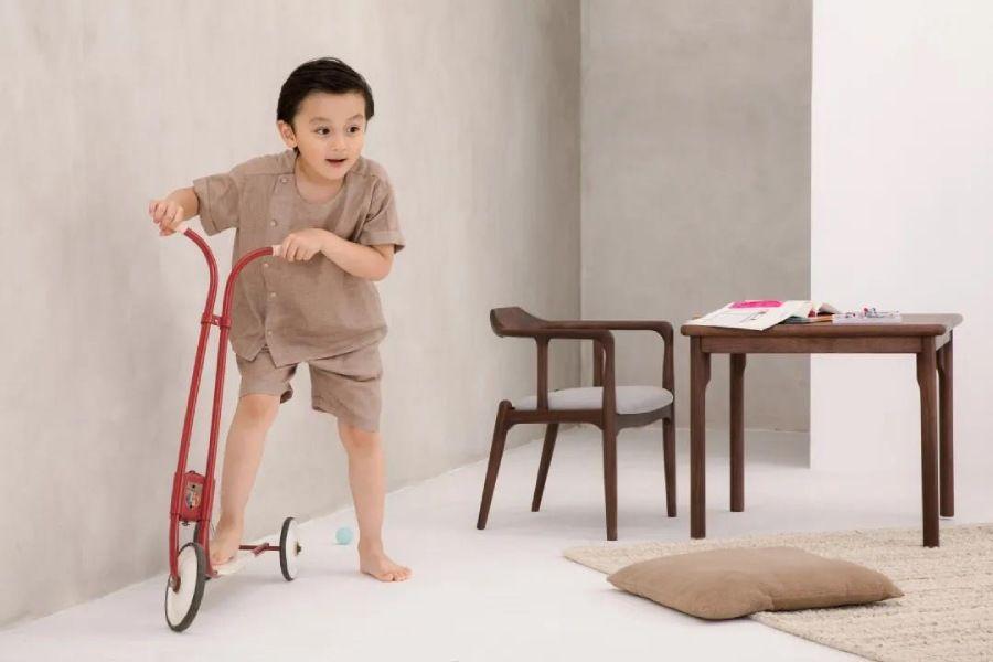 别误会了,儿童家具并不都是五彩斑斓的!