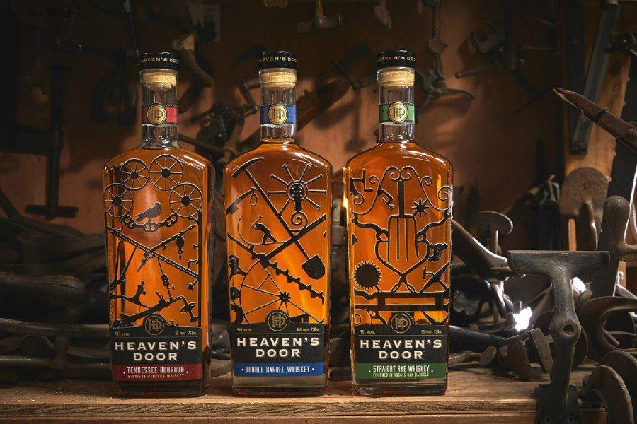 是威士忌比较容易让人狂野,还是摇滚乐?