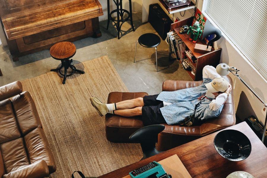 潮流老男孩Kirk带你探访北欧中古家具店COZNAP|太格视频