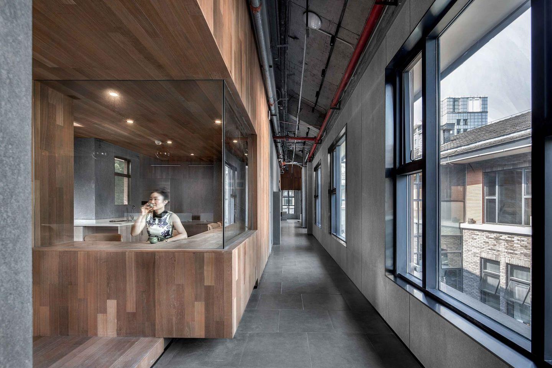 重庆:LOFT工业风共享办公空间