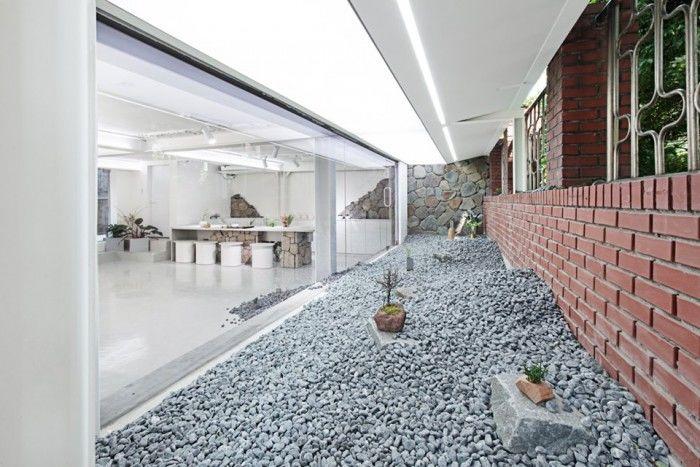 韩国这家售卖鲜花和茶饮的店把室内打造成了采石场